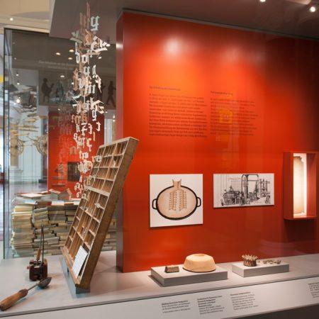 Dokumentation der Ausstellungsgrafik im Museum für Kommunikation