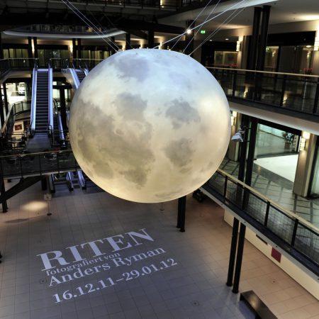 Mond – Objekt einer Ausstellung